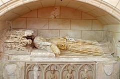 Bueil-en-Touraine (Indre-et-Loire) (sybarite48) Tags: bueilentouraine indreetloire france gisant recumbentfigure abbildungliegerad estatuayacente statuagiacente sarcophage sarcophagus ناووس sarkophag 石棺 sarcófago σαρκοφάγοσ sarcofago sarcofaag sarkofag саркофаг lahit sculpture skulptur فن النحت 雕塑 escultura γλυπτική scultura 彫刻 sculptuur rzeźba скульптура heykel