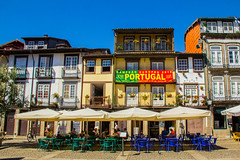 Guimaraes (Valentina Bruno JDM) Tags: portugal portogallo guimaraes born colors colori borgo medievale storia summer2016 holidays portogalloontheroad