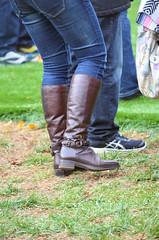 2016-11-19 (38) Nike Park Turf, Great Falls VA (JLeeFleenor) Tags: photos photography va virginia nikepark greatfalls girls woman femme frau vrouw donna lamujer dona امرأة жена 女子 žena kvinde nainen γυναίκα האישה nő औरत wanita 女性 여자 kvinne زن kobieta mulher женщина kvinna หญิง kadın жінка ngườiphụnữ boots shoes footwear footgear outside outdoors jeans tightjeans