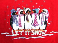 let it snow, and it did (muffett68 ) Tags: tshirt graphics penguins letitsnow cmwdred