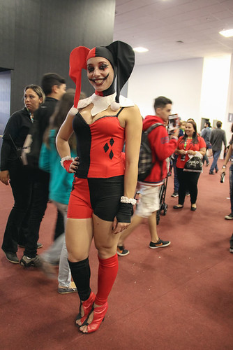 ccxp-2016-especial-cosplay-arlequina-7.jpg