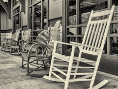take_it_easy (gerhil) Tags: travel lifestyle park attraction rockingchairs rest easygoing blackwhite monochrome serene peaceful rural suburban winter february2017 niksilverefexpro2 country rustic 1001nights 1001nightsmagiccity