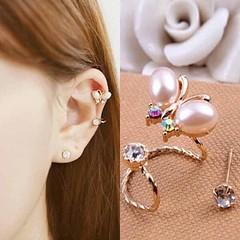 ต่างหูคลิป แฟชั่นเกาหลีรูปผีเสื้อมุกคริสตัลหนีบใบหูสวย Crystal Clip Ear Cuff Stud Earring นำเข้า - พร้อมส่งW482 ราคา300บาท ต่างหูแฟชั่น รุ่นใหม่น่ารักรูปผีเสื้อมุกปีกทองสำหรับใส่คู่กัน 2 ชิ้น เป็นต่างหูข้างเดียวให้คุณผู้หญิงมีพร้อพเก๋ที่ต่างหูแบบคลิปสำหรั
