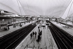 downwards again (Ioannis the graecum) Tags: canon trains 400 a1 apx fd lige sncb guillemins