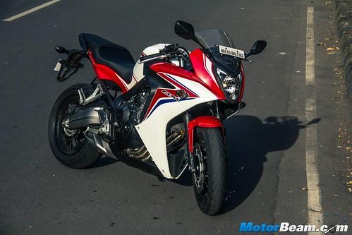 2015-Honda-CBR650R-07