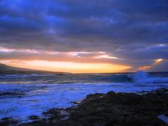 Hiding Sun - IV (igor29768) Tags: ocean sunset espaa sun clouds atardecer lumix coast spain waves atlantic panasonic shore punta tenerife pancake 20mm sunrays teide olas canaryislands niebla islascanarias puestadelsol puntadelhidalgo puntadehidalgo gx7