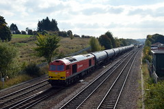 60020 passes through Chesterfield with the diverted 6E68 Kingsbury Oil Sidings to Humber Oil Refinery empty tanks, 11th Oct 2015. (Dave Wragg) Tags: railway loco locomotive tug chesterfield class60 60020 dbschenker 6e68