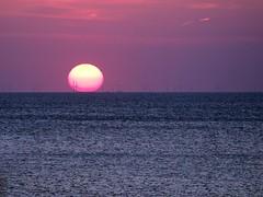 WindPark (rgiw) Tags: meer wasser sonnenuntergang outdoor offshore himmel olympus sylt windrad sonne farbe nordsee omd em1 wattenmeer windpark 40150mm mzuiko