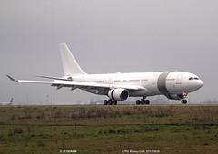 IMG_1359 (jeanpierredewam) Tags: flight airbus amiri cdg lfpg quatar a330202 dewam a7hhm