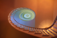 Rotate continuously (Elbmaedchen) Tags: mint staircase treppenauge