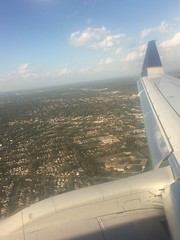 (reezy87) Tags: united unitedairlines boeing embraer 737 e175 winglet chicago ohare dallas ua n142sy