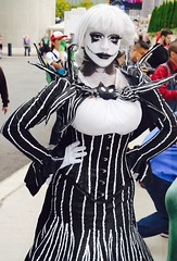 DSC_0472 (Randsom) Tags: nycc 2016 newyorkcomiccon nycomiccon javitscenter october nyc newyorkcity cosplay costume fun comicbooks comicconvention jackskellington nightmarebeforechristmas halloween whiteface wig blacklips female