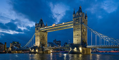 The Tower Bridge (Denber 23) Tags: thetowerbridge pont de londres london bonic precis nit aigua mar riu visitar