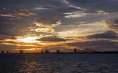 Puesta de sol por San Javier (Fotgrafo-robby25) Tags: atardecerenelmarmenor fujifilmxt1 lopagnmurcia marmenor nubes salinasyarenalesdesanpedrodelpinatar