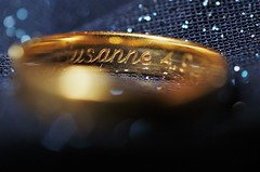 Sanne (explore) (Carlos Lubina) Tags: edge macromondays ring gravur engraving