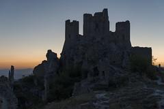 di rovine al tramonto (Paolo Dell'Angelo (journey to Italy)) Tags: rocca calascio abruzzo italia