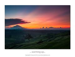 ... warming up ... (liewwk - www.liewwkphoto.com) Tags: bali mount agung mountagung sunrise dawn ray paddy terrece volcano liewwk liewwknature liewwkphotohunters photohunters landscape rgnd gnd jatiluwih indonesia