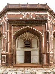 DSC5566 Mausoleo de Humayun (esquina exterior), año 1565-72, Delhi (Ramón Muñoz - ARTE) Tags: delhi india mausoleo tumba de humayun