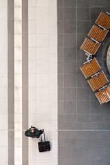 Conductor (_LABEL_3) Tags: verkehr bahnsteig platform berlin deutschland de