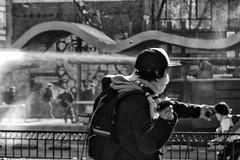 Santiago de Chile (Alejandro Bonilla) Tags: santiago chile street city urban bw black white manuelvenegas minolta monocromo monocromatico blancoynegro bn blackandwhite blanconegro protesta protest