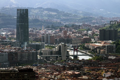 Bilbao Capital del Mundo (Amataki) Tags: amataki bilbao ria nervion torre iberdrola puente la salve guggenheim museo universidad deusto