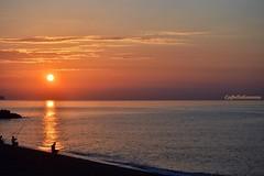 Sotto una buona stella ... (lefotodiannae) Tags: lefotodiannae mare alba stella sole pescatore riflessi