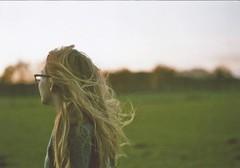Emmi // Sister (marlinhelene2) Tags: minolta xg 9 kodak iso 200 film autumn girl hair sunset cold outside analog filmlove wind filmisnotdead