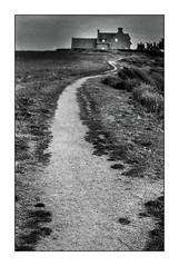 Le Pouldu (Punkrocker*) Tags: film lens landscape 50mm reflex kodak trix bretagne nb contax 400 paysage ml yashica sieff aria 5014 finistere lepouldu bwfp