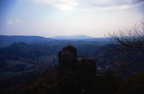 "Elbsandsteingebirge (058) Mönchsfelsen • <a style=""font-size:0.8em;"" href=""http://www.flickr.com/photos/69570948@N04/21770947371/"" target=""_blank"">View on Flickr</a>"