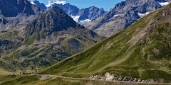 Col du Galibier, 2642 m - France (Eric@focus) Tags: road snow france alps car alpes cycling climb high nikon view famous hard pass tourists paca nik alpen tourdefrance pas soe slope naturescenes coldugalibier greatphotographers 1000v40f 3000v120f d7100 100com500views25favs spiritofphotography flickrtravelaward