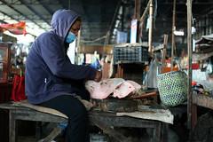 Market  Prey Veng (Jules en Asie) Tags: world street travel people asian pig julien asia cambodge cambodia cambodian khmer market pork asie prey marché nationalgeographic asiatique veng reflectionsoflife lovelyphotos jules1405 cambodgien unseenasia earthasia mailler