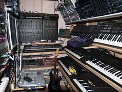 LP158641 (LoxPix2) Tags: boss music studio guitar fender synth roland korg yamaha emu gibson akai novation alesis kawai maudio behringer kurzweil teisco ensoniq tapco rogerlinn loxpix