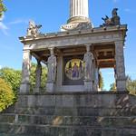 München - Friedensengel (06) - der Tempel, der die Säule trägt thumbnail