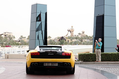 Lamborghini Gallardo LP560-4 Bicolore (Instagram: R_Simmerman) Tags: yellow mall al dubai united parking emirates arab lamborghini gallardo burj supercars valet sportcars bicolore 2013 dubaicars hypercars lp5604 carsofdubai