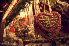 Weihnachtsmarkt (Axel Ku.) Tags: xmas winter 35mm germany bayern deutschland bavaria weihnachtsmarkt stadt franken wrzburg f20 frankonia unterfranken primelens canonef35mmf20 canoneos5dmarkiii