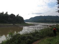 """Luang Prabang: au confluent de la rivière Nam Khan et du Mékong <a style=""""margin-left:10px; font-size:0.8em;"""" href=""""http://www.flickr.com/photos/127723101@N04/23331194333/"""" target=""""_blank"""">@flickr</a>"""
