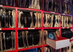 The old record Cabinet (zilverbat.) Tags: liverpool records vinyl image zilverbat plaat platen retro vintage england verenigdkoninkrijk greatbritain platenkast uk elvis beatles stones canon golumbia rca decca rockroll blues jazz collectors verzamelaars cabinet collection record