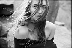 Jule (Erik.Gro) Tags: nikonfm2 kodakfilm trix400 blackandwhite erikgrossphoto lovezig16 girlsonfilm filmisnotdead filmphotography analogphotography 35mmfilm