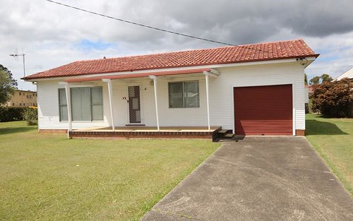 1 McRae Avenue, Taree NSW 2430