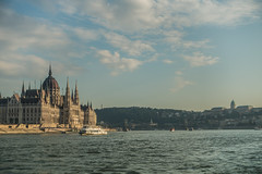 20160917 Budapest, Hungary 03293 (R H Kamen) Tags: 19thcenturystyle budapest easterneurope hungarianparliamentbuilding hungary nauticalvessel parliamentbuilding pest riverdanube unescoworldheritagesite architecture buildingexterior builtstructure cityscape gothicstyle neogothic rhkamen