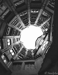 _M167312 (Smelphie) Tags: architecture barcelone casamil gaudi lapedrera