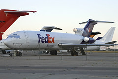 FedEx 727 at TUS (atg3v) Tags: fedex boeing 727 boeing727 tucson tus ktus usa aviation airliner arizona cargo n212fe 9qcnj