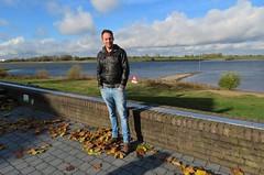 Zaltbommel (Elisa1880) Tags: waal gijsbert van der wal zaltbommel river rivier