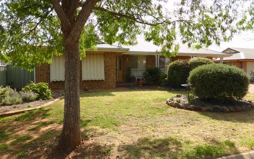 8 Angeleish Avenue, Parkes NSW 2870