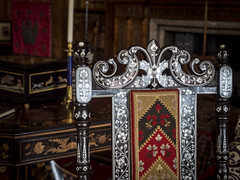 Midlands 2015: Decorated chair (mdiepraam) Tags: england chair britain furniture library decoration nationaltrust warwickshire midlands 2015 charlecotepark