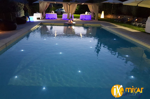 "Illuminazione-con-led-subacquei-in-piscina • <a style=""font-size:0.8em;"" href=""http://www.flickr.com/photos/98039861@N02/21322614091/"" target=""_blank"">View on Flickr</a>"