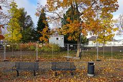Joensuu - Finland (Sami Niemelinen (instagram: santtujns)) Tags: city colors suomi finland bench colours north autumm joensuu syksy karjala kaupunki penkki carelia vrit pohjois