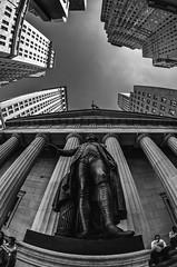 George Washington (Goretty Gutiérrez) Tags: street new york sky urban sculpture building george washington calle district edificio perspective escultura cielo urbano perspectiva bolsa financial nueva financiero distrito