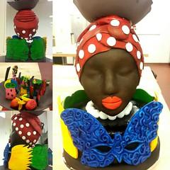 Showpiece made of pastillaje     #pastillaje #showpiece #centerpiece #art #pastry #carnaval #Barranquilla #florida #lecordonbleu #class #homenaje (dsarmientoh) Tags: art florida class pastry carnaval centerpiece homenaje barranquilla showpiece lecordonbleu pastillaje
