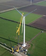 Installatie rotor van Lagerwey L1002.5MW sky (LagerweyWind) Tags: wind windturbine rotor windmolen installatie windenergie lagerwey